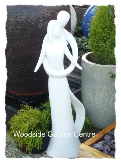 Large contemporary infinite love home or garden statue for Contemporary ornaments for the home