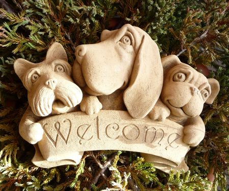 Hazelmill Dog Welcome Wall Plaque Garden Ornament Woodside Garden