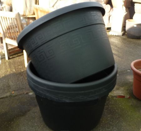 extra large 170 ltr black plastic pot woodside garden centre pots to inspire. Black Bedroom Furniture Sets. Home Design Ideas