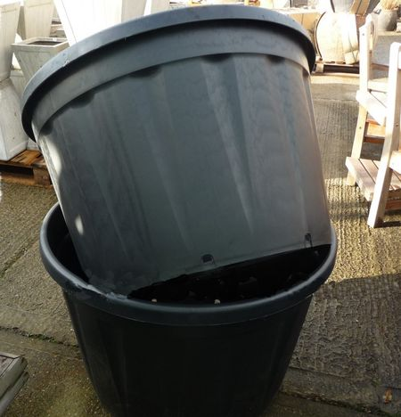 Extra Large Plastic Pot 230 Ltr Black Woodside Garden Centre