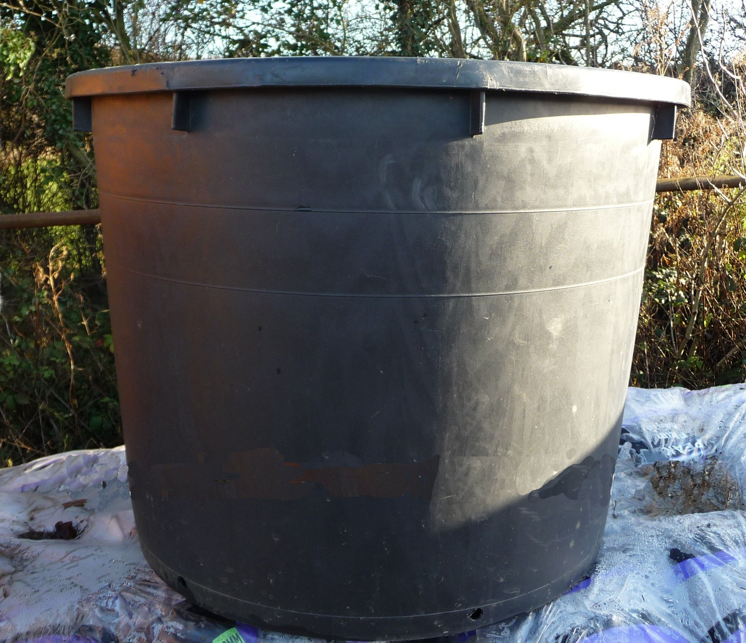 extra large plastic pot 500ltr black woodside garden centre pots to inspire. Black Bedroom Furniture Sets. Home Design Ideas