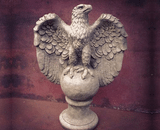 Sparta Eagle Looking Left Statue Stoneware Garden Ornament